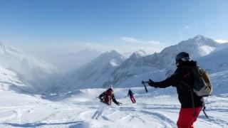 Tiefschneekurs am Stubaier Gletscher: Ski wedeln im Walzertakt
