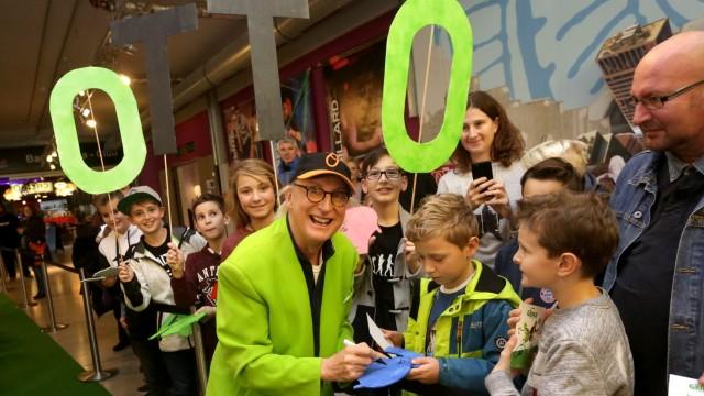 Neufahrn bei Freising Komiker wirbt für neuen Film