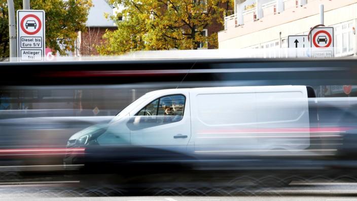Ein Diesel-Fahrverbot gilt in der Max-Brauer Allee in Hamburg