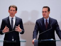Austria's Chancellor Kurz and Vice Chancellor Strache address the media in Vienna