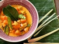 Nur für Das Rezept Thailändisches Curry mit Süßkartoffeln von Christina Metallinos