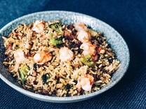Nur für Das Rezept Fried Rice mit Garnelen und Brokkoli von Tim Raue Foto Urban Zintel