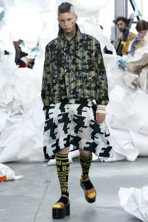 Vivienne Westwood : Runway - Paris Fashion Week Womenswear Spring/Summer 2019