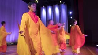 Eurhythmie-Aufführung in der  Rudolf-Steiner-Schule Gröbenzell