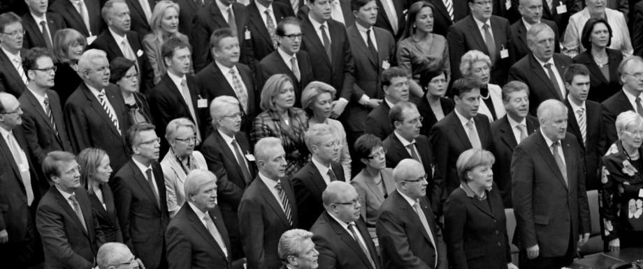 Kurioses Stilkritik zu singenden Politikern