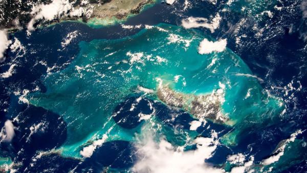 Blick auf die Bahamas aus dem Weltall, von Alexander Gerst von der ISS fotografiert