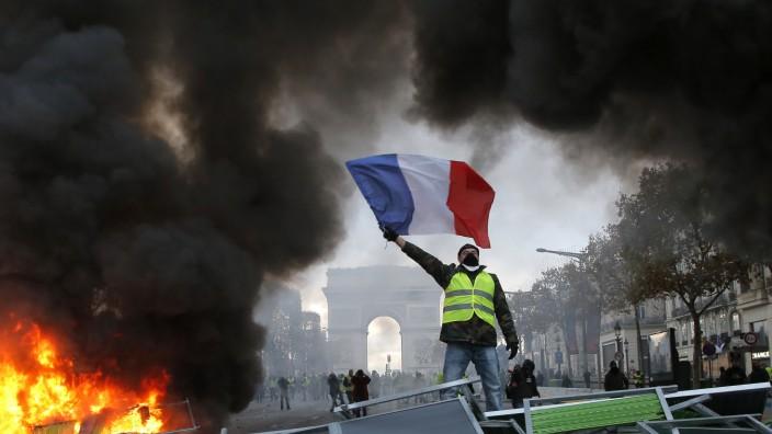 Protest gegen zu hohe Spritpreise in Frankreich