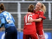 v li Laura Sieger Torwart Bayer Leverkusen 24 enttäuscht schauend Enttäuschung Frustration