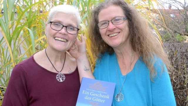 Süddeutsche Zeitung Dachau Autorinnen-Duo Ingrid Zellner und Simone Dorra
