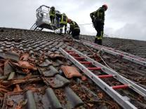 Tutzing Sturmschaden am Kino  Foto: Feuerwehr/oh