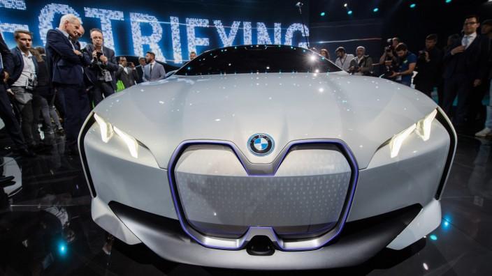 BMW baut für Elektroauto i4 das Stammwerk um