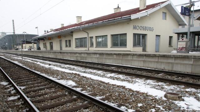 Moosburg Moosburger Bahnhofsgebäude