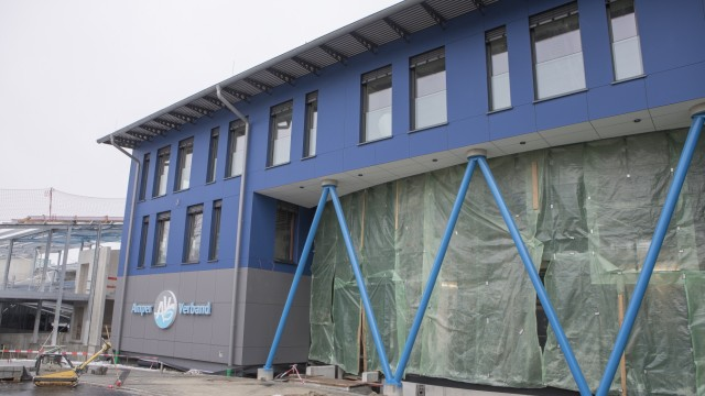 Baustelle Verwaltungsgebäude Kläranlage Gebäude Amper Verband Olching im Winter