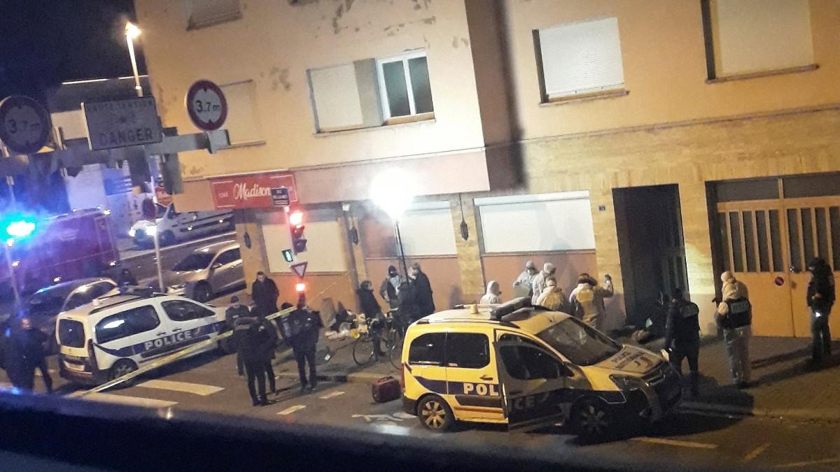 Polizei nimmt sieben Personen fest