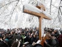 Members of the Ukrainian Orthodox Church of the Moscow Patriarchate attend a public prayer to demand governmental non-interference with church in Kiev