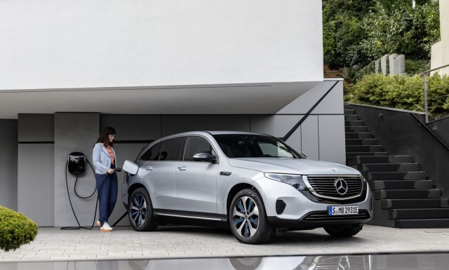 Der neue Mercedes-Benz EQC - der erste Mercedes-Benz der Produkt- und Technologiemarke EQ  The new Mercedes-Benz EQC - the first Mercedes-Benz under the product and technology brand EQ; Mercedes-Benz Elektroauto EQC
