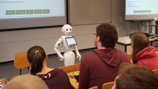 Hochschule Roboter im Studium
