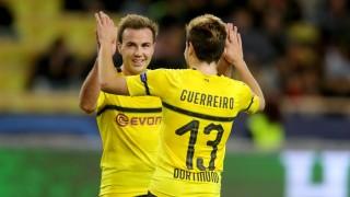 BVB-Spieler Götze und Guerreiro jubeln gegen den AS Monaco