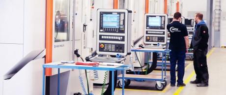 Bavarian Governor Seehofer Visits MTU Aero Engines Factory