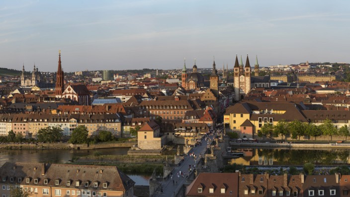 Germany Bavaria Wuerzburg Old town with Old Main Bridge Main river PUBLICATIONxINxGERxSUIxAUTxHU