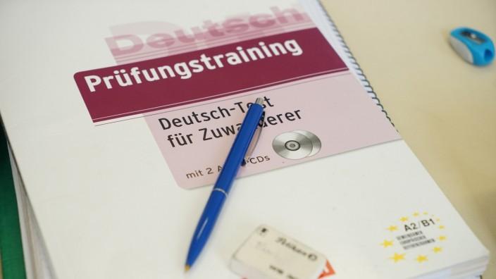 Flüchtlinge: Deutsch-Test für Zuwanderer - Bildung