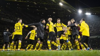 Dortmund 21 12 2018 BvB Schlussjubel Jacob Bruun Larsen BvB Marius Wolf BvB Borussia Dortmund