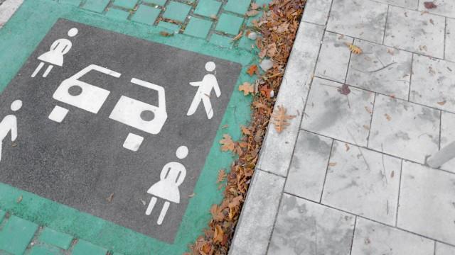 Parkplatz für Carsharing-Autos in München, 2018