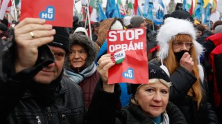 Budapest Overtime-Law Protests Continue Into New Year