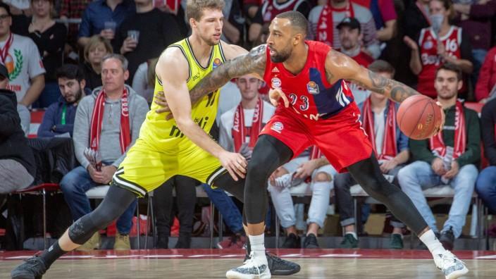 Lukas MEISNER 17 BT vs Derrick WILLIAMS 23 FCB Basketball FC Bayern FCB medi Bayreuth