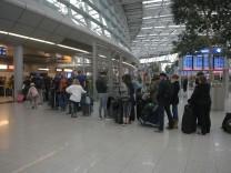 Flughafen Dusseldorf Aktuelle Themen Nachrichten Suddeutsche De