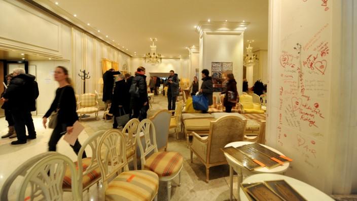 Hotel Königshof Ausverkauf Abriss