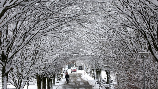 Winterdienst Streuarbeiten in Freising