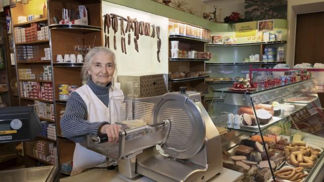 Brauchtum und Geschichte Lilli Auer wird 90
