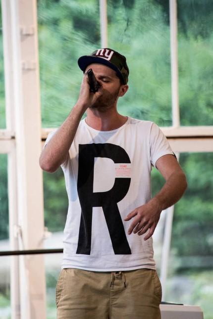 Anton Roters beim Rap-Abend des Vereins Bühne 23 in Allach-Untermenzing