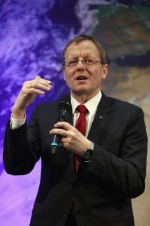 ESA Presents New Astronaut Matthias Maurer