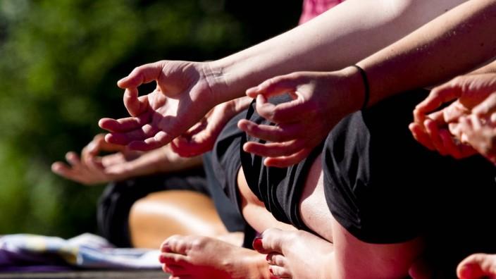 Sportserie - Yoga am Klosterseei