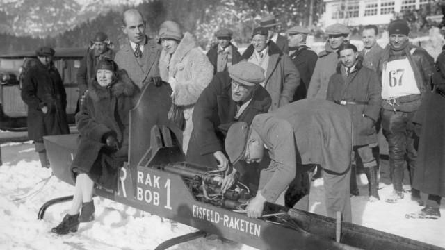 Valier im Raketenschlitten, 1929