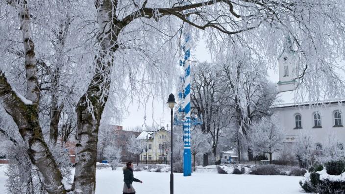 Feldkirchen Hindenburgplatz bei Schnee und Raureif, Reif