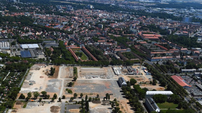 Konversions- Baustelle Gebäudekomplex der ehemaligen Militär- Kaserne in Schweinfurt im Bundesland Bayern, Deutschland