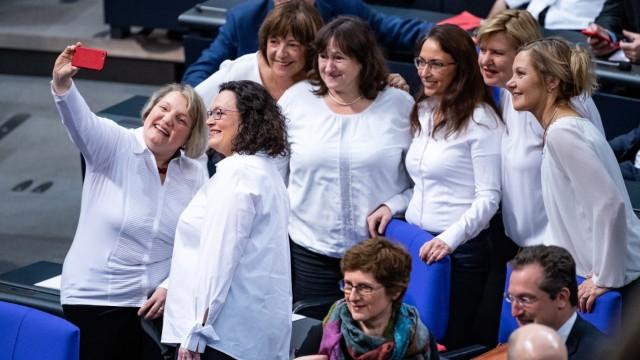 Feierstunde zu 100 Jahre Frauenwahlrecht im Bundestag