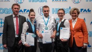 Koch Silvio Petras, Hotelfachfrau Melanie Ledermüller und Restaurantfachfrau Amanda Hergl sind Bayerische Jugendmeister 2019