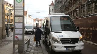 Freisinger Innenstadt Kleinbusse in der Innenstadt