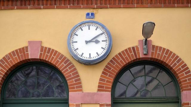 Oberhaching Kaputte Uhr