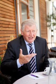 Interview mit den Bürgermeistern Franz Schwarz und Michael Sedlmair, Unterföhring Cafe Valentina, St. Valentin-Weg 20