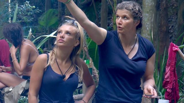 Evelyn Burdecki und Sandra Kiriasis im RTL Dschungelcamp