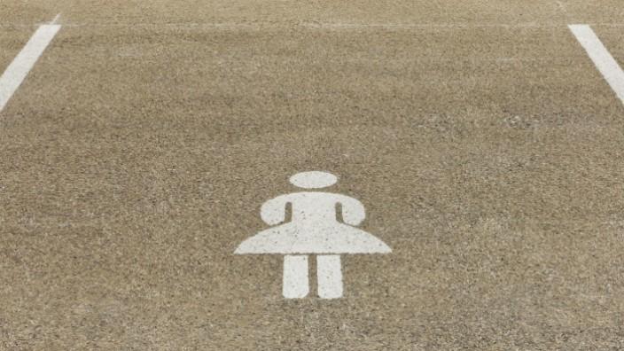 Germany Baden Wuerttemberg Stuttgart Car park area for women PUBLICATIONxINxGERxSUIxAUTxHUNxONLY