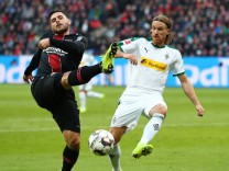 Bundesliga: Leverkusen verliert beim Bosz-Debüt