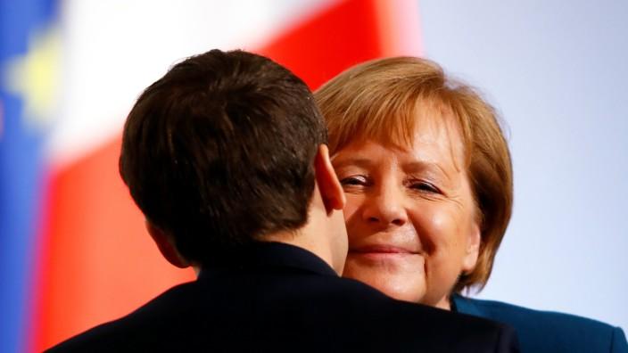 Angela Merkel and Emmanuel Macron sign Treaty of Aachen