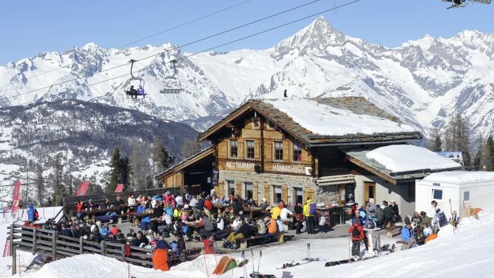 Bergrestaurant Hannighuesli im Skigebiet Grächen in der Schweiz