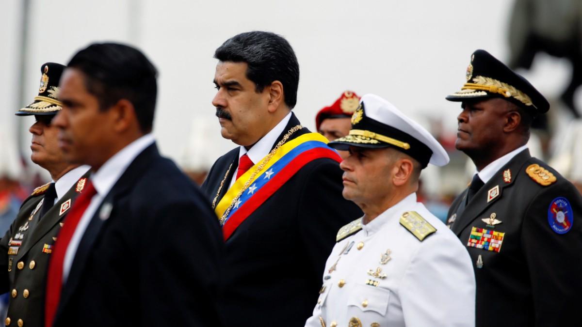 Das Militär stellt sich hinter Maduro
